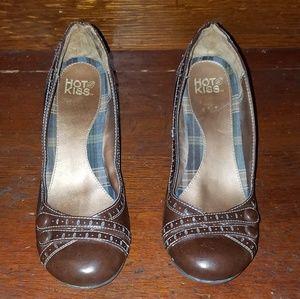 Hot Kiss Women's brown size 8m platform shoe
